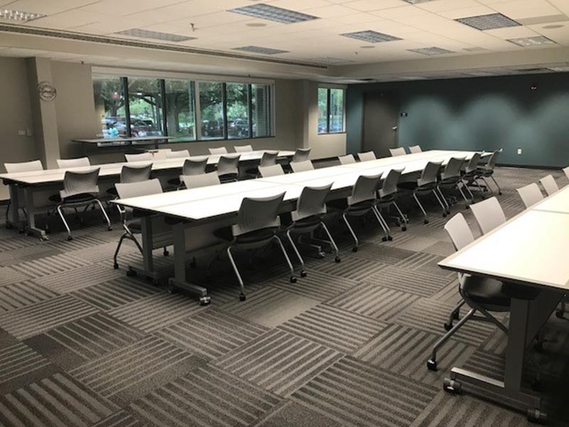 college classroom layout design with tables and chairs