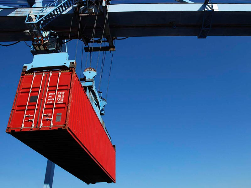 red container crane freight forwarder